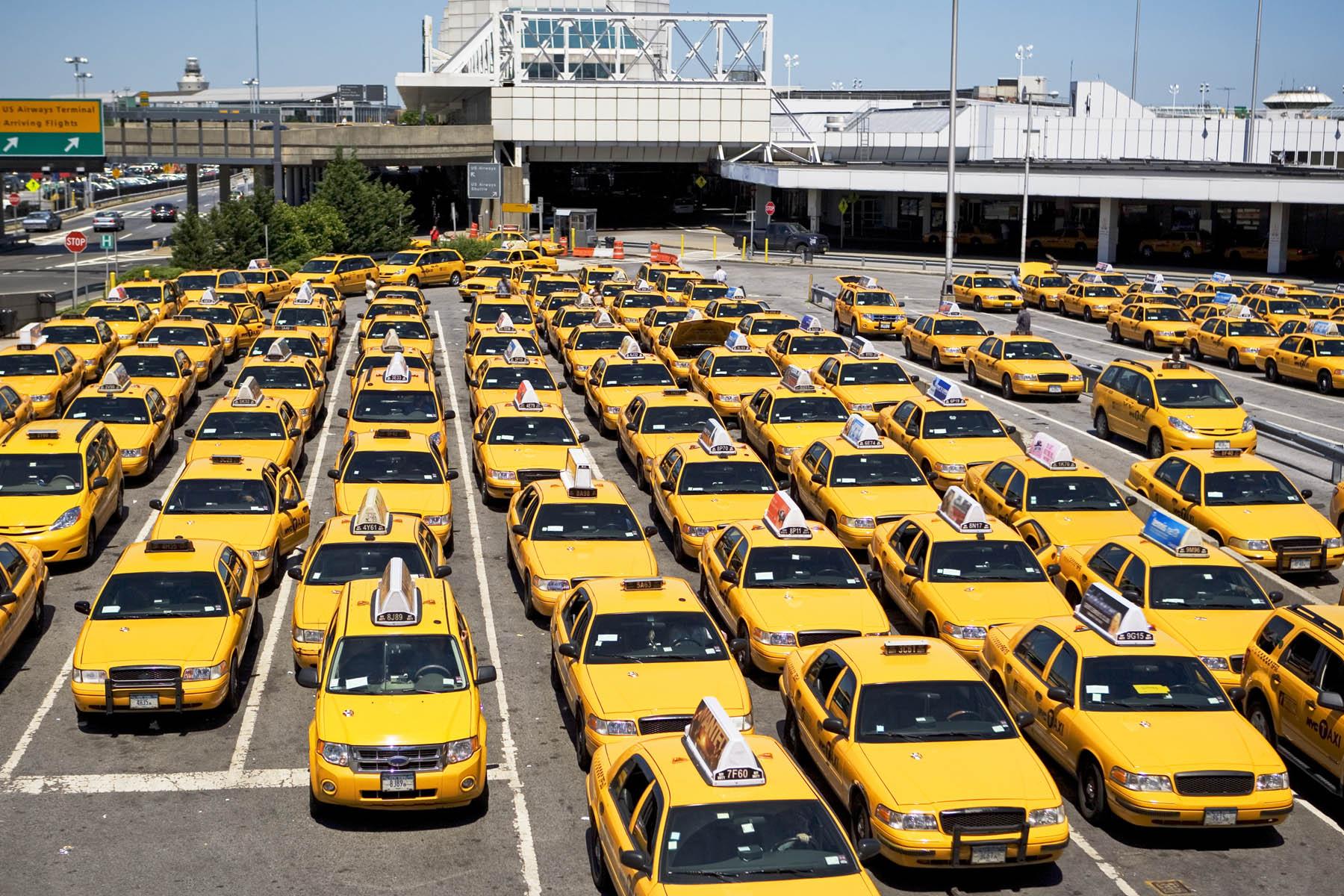 Tập đoàn Taxi Quản lý các công ty taxi con