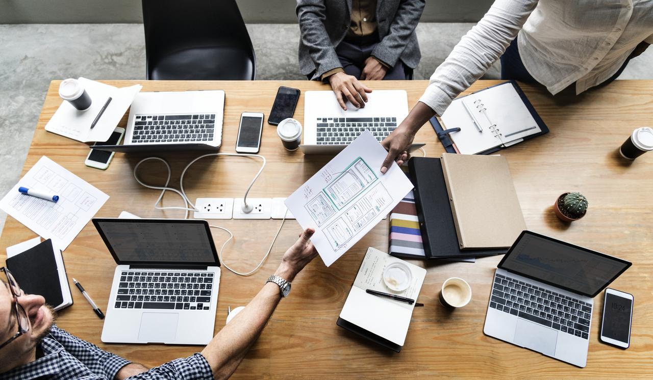Xây dựng website doanh nghiệp hoàn hảo - ảnh: freepik.com